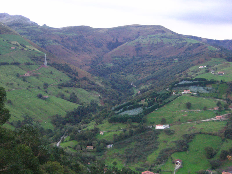 El quieva forma parte de los valles pasiegos fundaci n for Pisos en montornes del valles