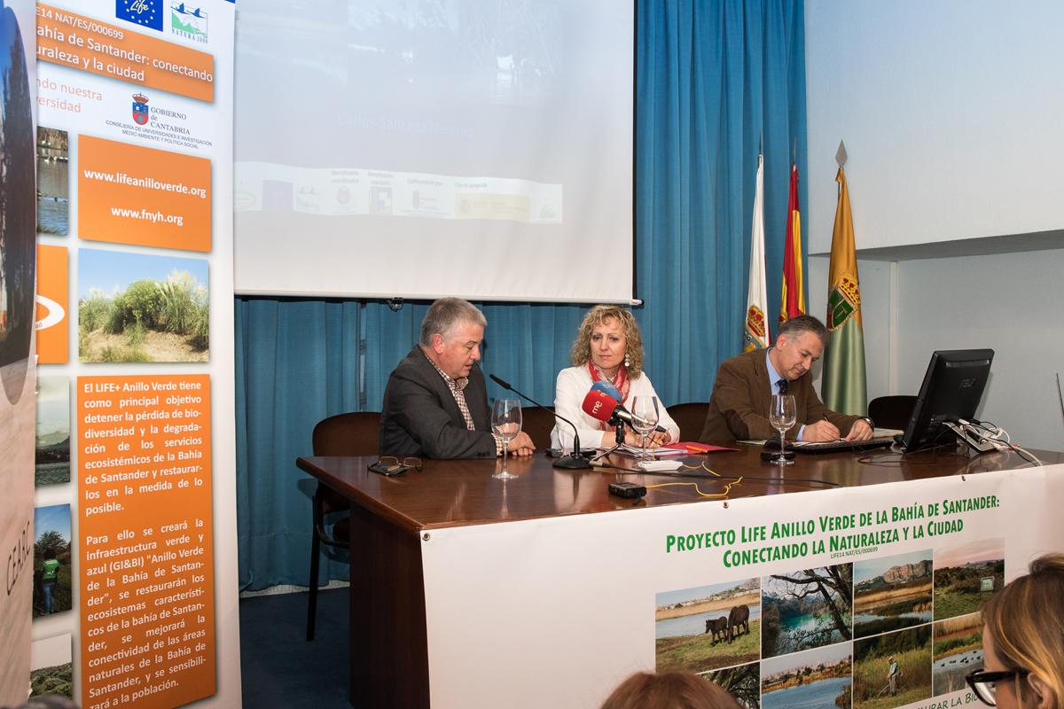 El Alcalde de Villaescusa D. Constantino Fernández Carral, la Vicepresidenta del Gobierno de Cantabria Doña Eva Díaz Tezanos y el Presidente de FNYH D. Carlos Sánchez
