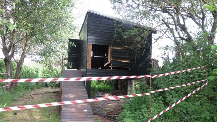 Destrozos en en un observatorio de aves de Alday