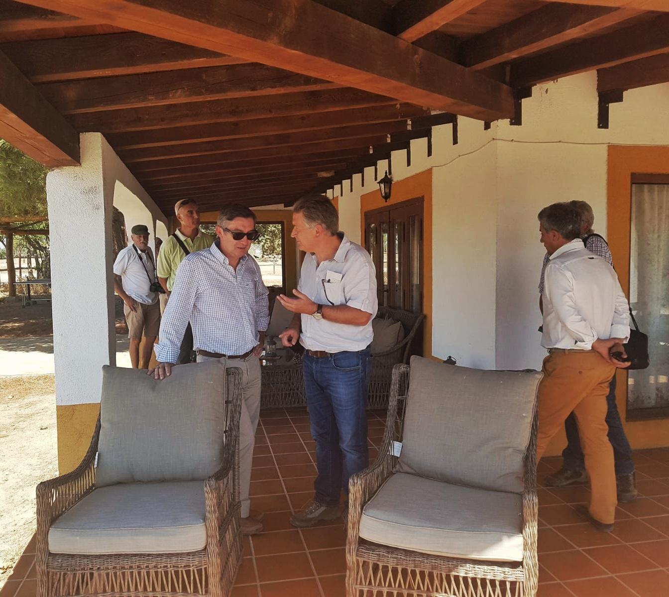 Porche del hotel rural de la Reserva Biológica Campanarios de Azaba