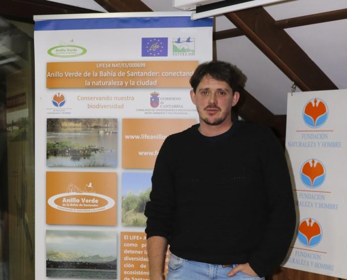 Diego Glez Roiz de Eco-Tierra Mojada durante charla de Agricultura ecológica en Casa Naturaleza Humedales del Anillo Verde de la Bahía de Santander