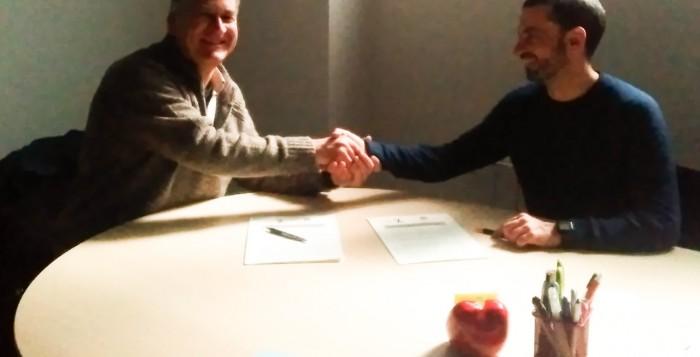 Acto de firma del convenio entre Fundación Acorde y FNYH