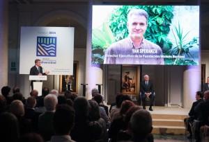 Momento del discurso del director de Fundación Moisés Bertoni.