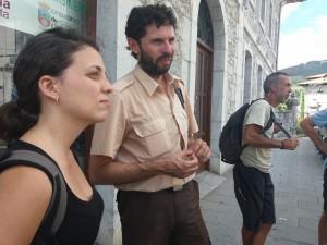 Jara Pascual (geógrafa) y Lorenzo García (guarda de campo), de FNYH.