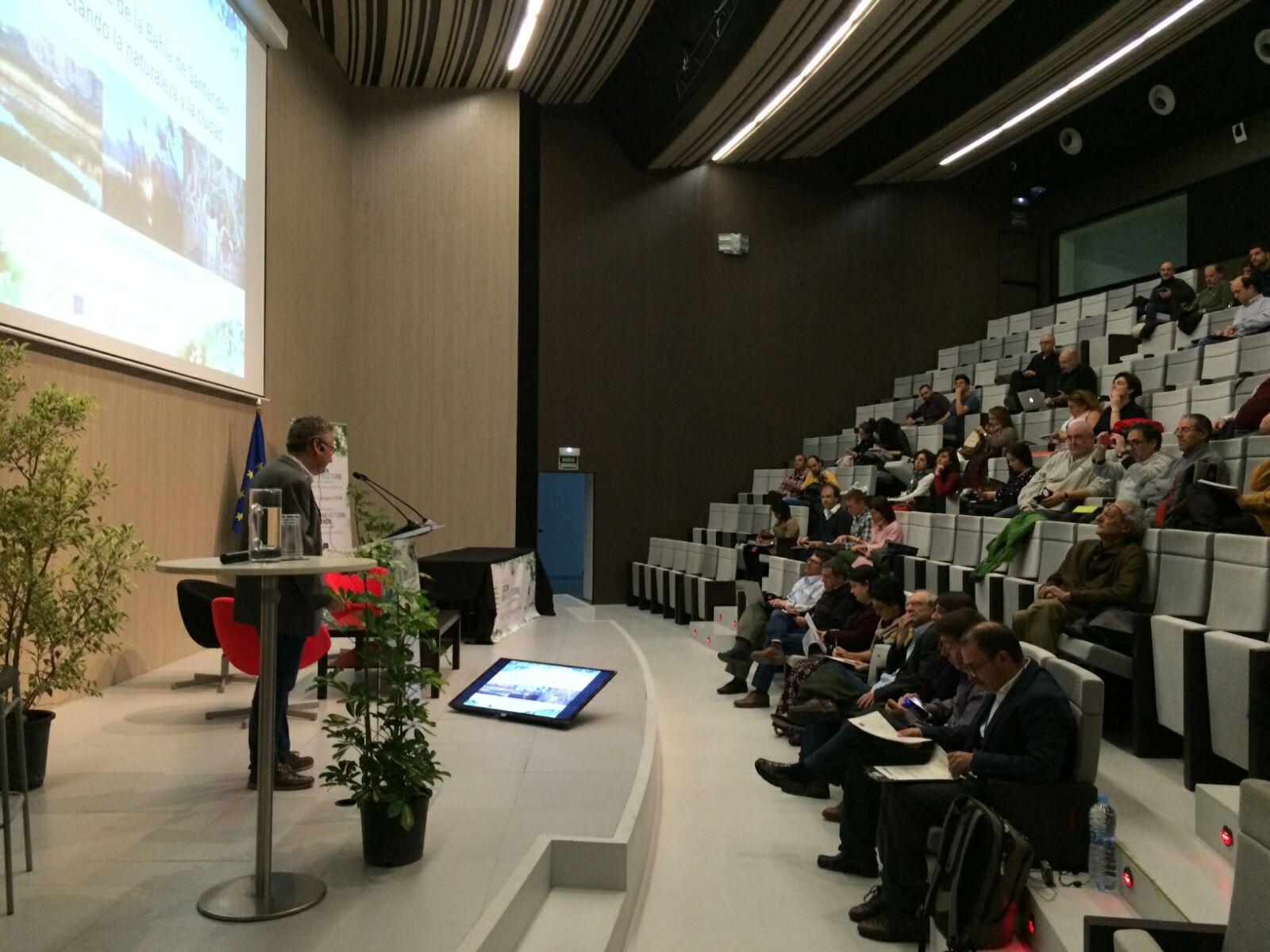 El presidente de FNYH, Carlos Sánchez presentando el proyecto LIFE Anilllo Verde