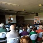 Rafa Marquina inicia la presentación en la Asociación Cultural la Alborada, Igollo de Camargo.