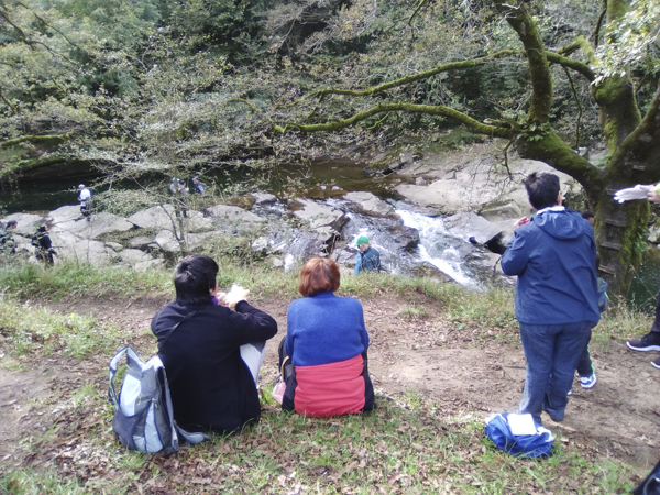Ruta al Pozo Negro, río Miera